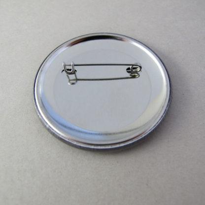 56mm Button Namen mit Nadel (Rückseite)