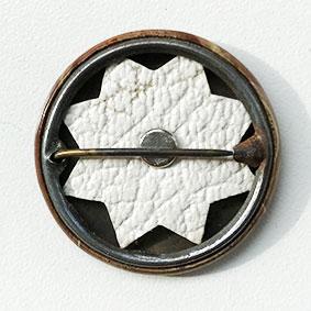 Allisons Button Rückseite